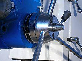 рукоятка быстрой подачи пиноли с переключателем на микроподачу сверлильно-фрезерного станка MetalMaster DMM 50C