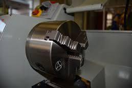 Закаленный высокоточный шпиндель диаметром 125 мм.