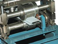 Калибровочная клеть на выходе для подстройки под необходимый тип и толщину металла